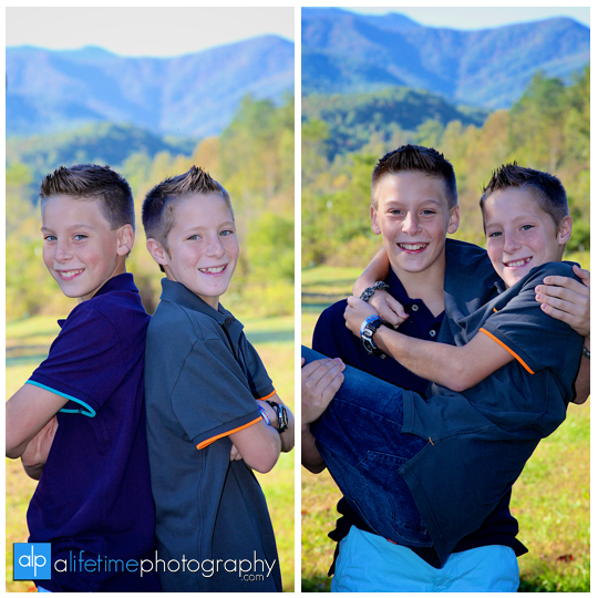 Emerts-Cove-covered-bridge-twin-brothers-photographer-family-pictures-Gatlinburg-Pigeon-Forge-TN-Sevierville-3