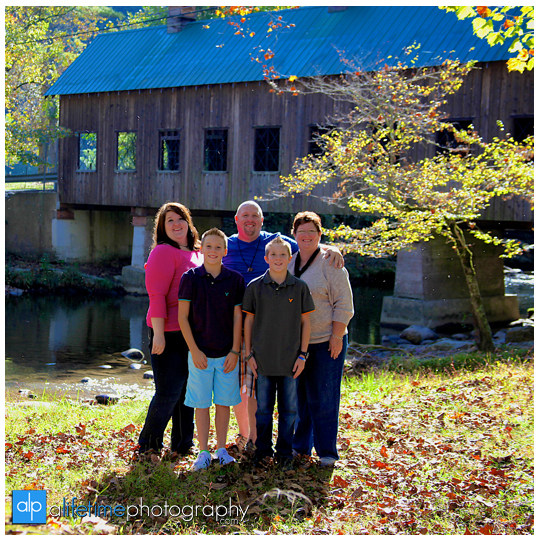 Emerts-cove-covered-bridge-tn-Gatlinburg-Photographer-family-Pigeon-Forge-Pittman-Center-seniors-kids-session-12