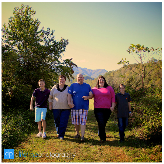 Emerts-cove-covered-bridge-tn-Gatlinburg-Photographer-family-Pigeon-Forge-Pittman-Center-seniors-kids-session-6