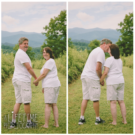 Engagement-Photographer-Couples-Family-Pictures-in-the-Smoky-Mountains-Gatlinburg-Pigeon-Forge-Knoxville-Sevierville-Seymour-Dandridge-9