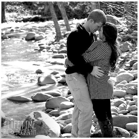 Engagement-Session-Photographer-at-Emerts-Cove-Covered-Bridge-Gatlinburg-Pigeon-Forge-Sevierville-Pittman-Center-Couple-Winter-photography-2