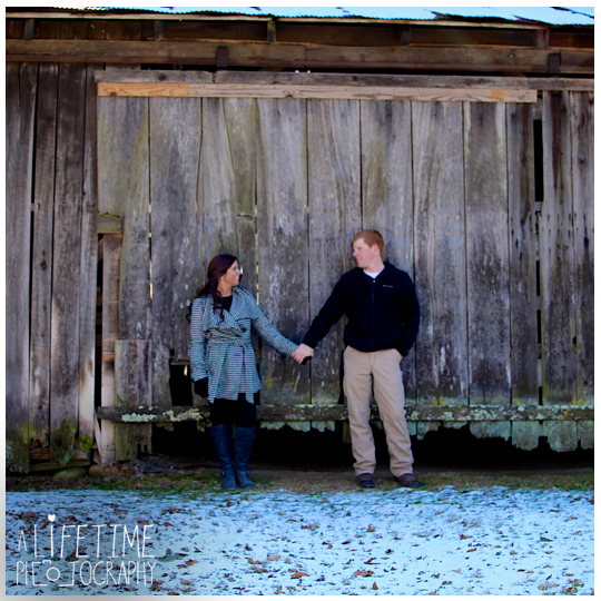 Engagement-Session-Photographer-at-Emerts-Cove-Covered-Bridge-Gatlinburg-Pigeon-Forge-Sevierville-Pittman-Center-Couple-Winter-photography-7