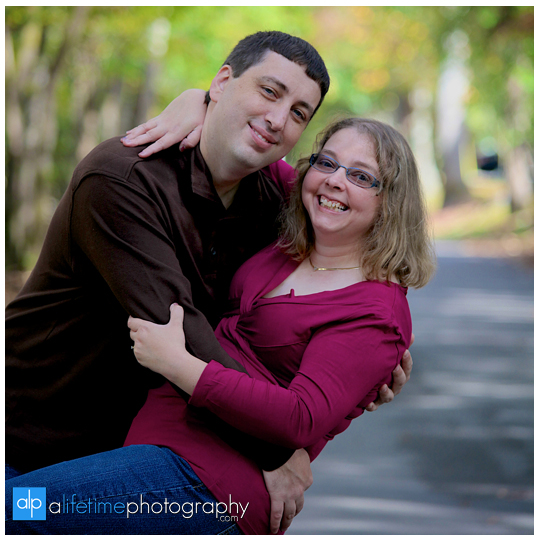 Engagement-session-ideas-dos-and-donts-what-to-expect-photographer-photography-Knoxville-TN-Johnson-City-Kingsport-Chattanooga-TN-2-what-to-expect-