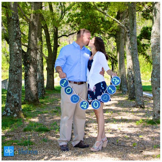 Engagement-session-ideas-dos-and-donts-what-to-expect-photographer-photography-Knoxville-TN-Johnson-City-Kingsport-Chattanooga-TN-9-what-tp-expect