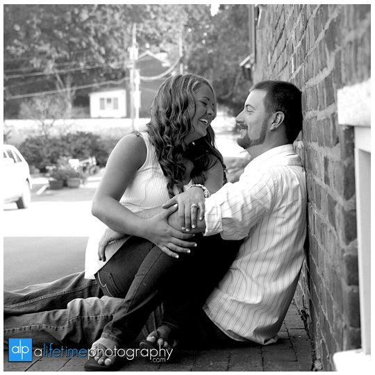 Engagement-session-ideas-dos-and-donts-what-to-expect-photographer-photography-Knoxville-TN-Johnson-City-Kingsport-Chattanooga-TN-what-to-expect-22