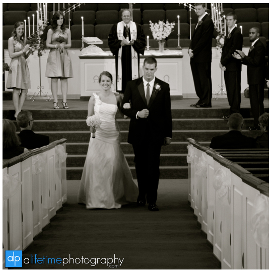Fairview_United_Methodist_Church_Maryville_TN_Photographer_Wedding_Ceremony_Pictures_Knoxville_Alcoa_TN_Powell_Clinton