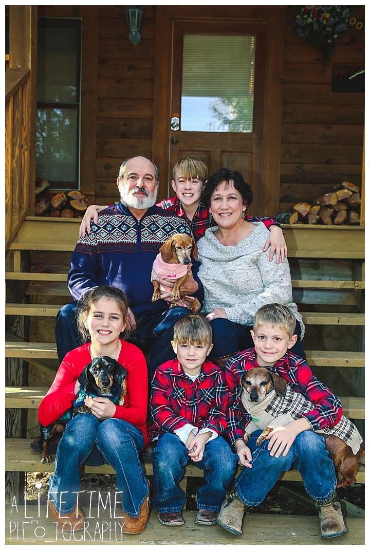 Family Cabin Photographer Gatlinburg-Pigeon-Forge-Knoxville-Sevierville-Dandridge-Seymour-Smoky-Mountains-Townsend-Photos-Greenbriar Session-Professional-Maryville_0253
