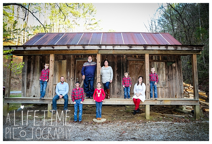 Family Cabin Photographer Gatlinburg-Pigeon-Forge-Knoxville-Sevierville-Dandridge-Seymour-Smoky-Mountains-Townsend-Photos-Greenbriar Session-Professional-Maryville_0261