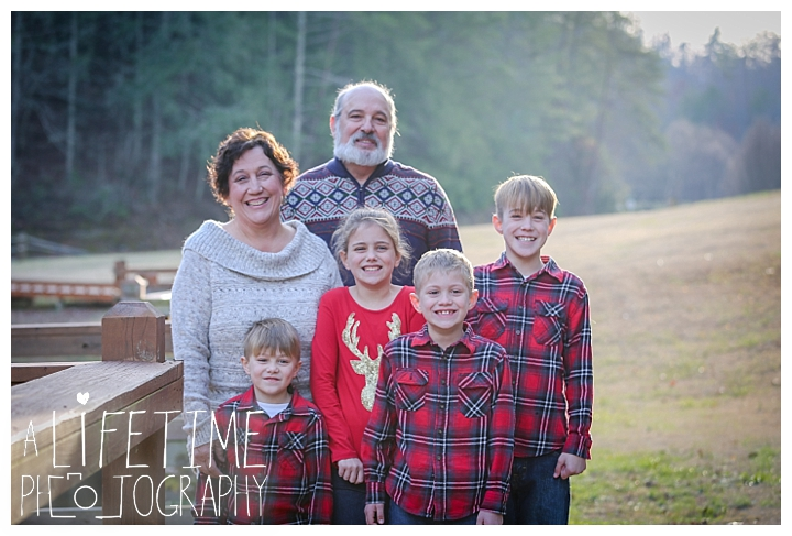 Family Cabin Photographer Gatlinburg-Pigeon-Forge-Knoxville-Sevierville-Dandridge-Seymour-Smoky-Mountains-Townsend-Photos-Greenbriar Session-Professional-Maryville_0267