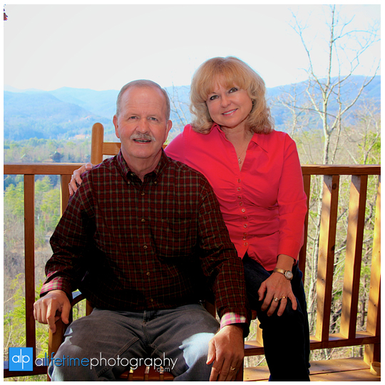 Family-Couple-Cabin-Townsend-Gatlinburg-Pigeon-Forge-Sevierville-TN-Photographer-anniversary-pictures-13