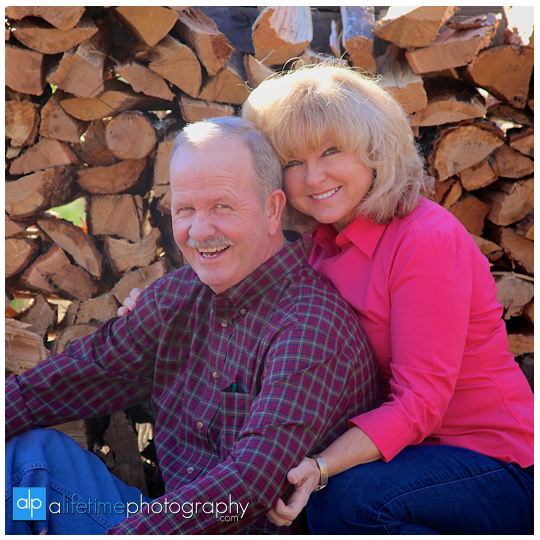 Family-Couple-Cabin-Townsend-Gatlinburg-Pigeon-Forge-Sevierville-TN-Photographer-anniversary-pictures-6