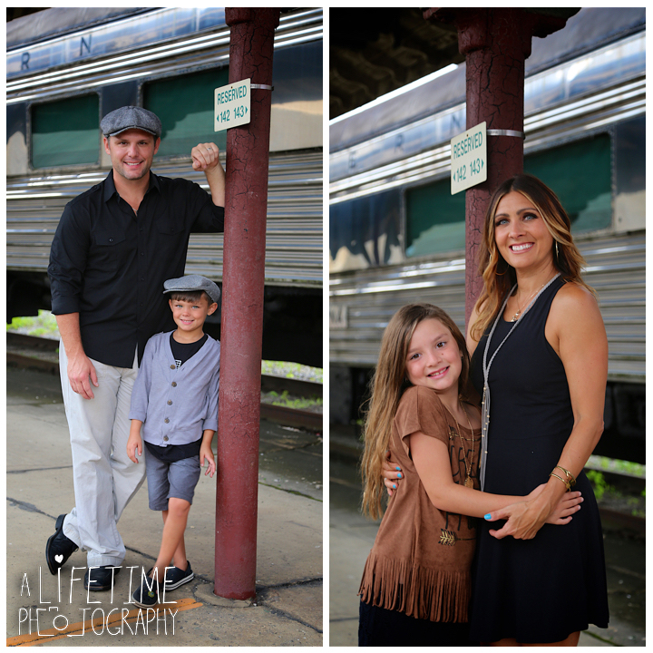 Family-Knoxville-Photographer-Southern-Railway-Staton-Downtown-Train-Kids-station-10