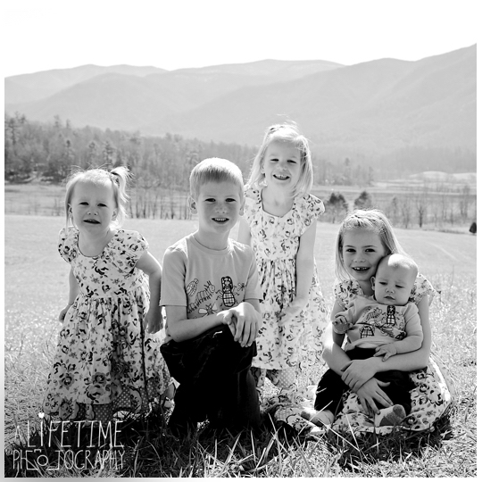 Family-Photographer-Cades-Cove-Smoky-Mountain-TN-pictures-Gatlinburg-Pigeon-Forge-Knoxville-4