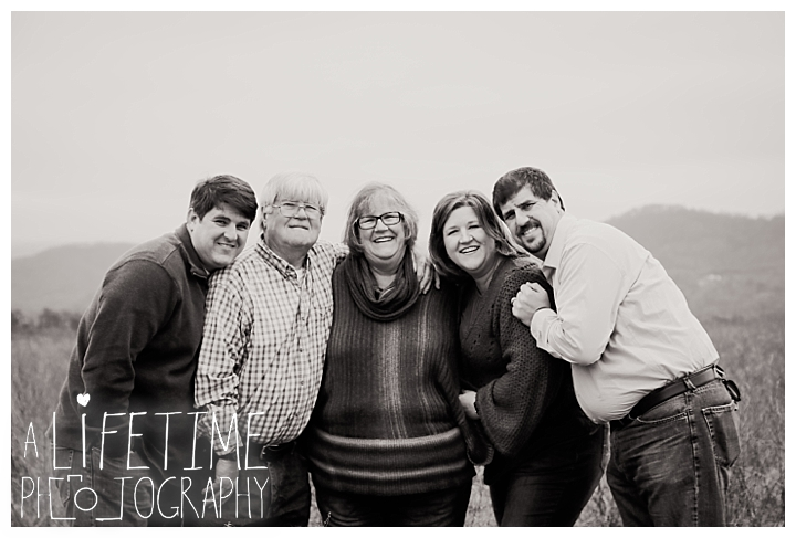 Family Photographer Gatlinburg-Pigeon-Forge-Knoxville-Sevierville-Dandridge-Seymour-Smoky-Mountains-Townsend-Photos-Greenbriar Session-Professional-Maryville_0341