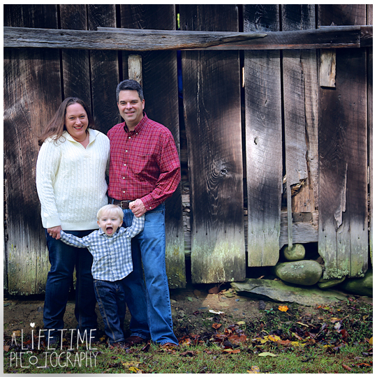 Family-Photographer-Gatlinburg-Pigeon-Forge-Sevierville-Kids-Emerts Cove-Smoky Mountains-Seymour-Knoxville-3