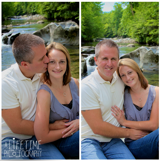 Family-Photographer-In-Pigeon-Forge-Gatlinburg-TN-Sevierville-Knoxville-Smoky-Mountains-Emerts-Cove-Covered-Bridge-generations-13