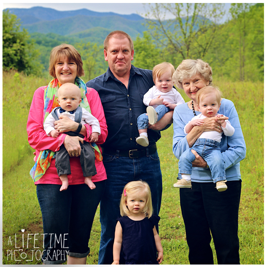 Family-Photographer-Session-Kids-Gatlinburg-TN-Photo-Session-Shoot-Pigeon-Forge-Smoky-Mountains-Knoxville-Seymour-Kodak-Pittman-Center-Sevierville-TN-1