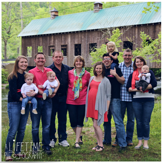 Family-Photographer-Session-Kids-Gatlinburg-TN-Photo-Session-Shoot-Pigeon-Forge-Smoky-Mountains-Knoxville-Seymour-Kodak-Pittman-Center-Sevierville-TN-10