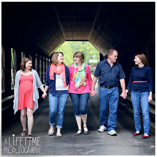 Family-Photographer-Session-Kids-Gatlinburg-TN-Photo-Session-Shoot-Pigeon-Forge-Smoky-Mountains-Knoxville-Seymour-Kodak-Pittman-Center-Sevierville-TN-12