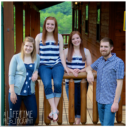 Family-Photographer-at vacation-Cabin-in Smoky-Mountains-Gatlinburg-Pigeon-Forge-TN-Sevierville-Seymour-Knoxville-10
