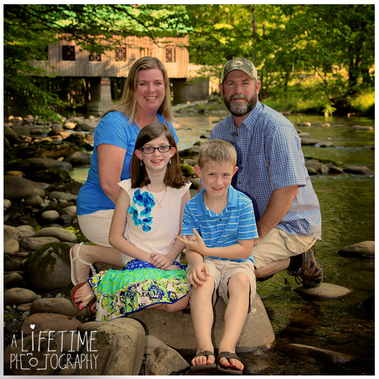 Family-Photographer-in-Gatlinburg-Pigeon-Forge-Sevierville-TN-Emerts-Cove-Covered-Bridge-Vacation-Photos-Smoky-Mountains-7