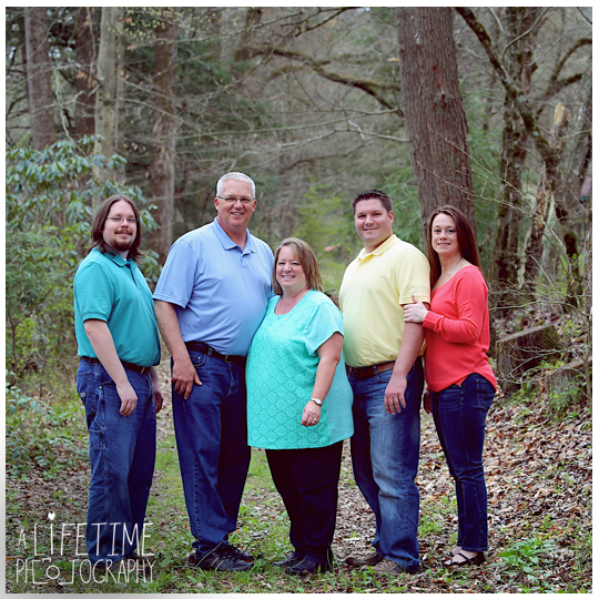 Family-Photographer-in-the-Gatlinburg-Pigeon-Forge-Smoky-Mountains-Emerts-Cove-Covered-Bridge-Sevierville-Pittman-Center-Knoxville-Seymour-8