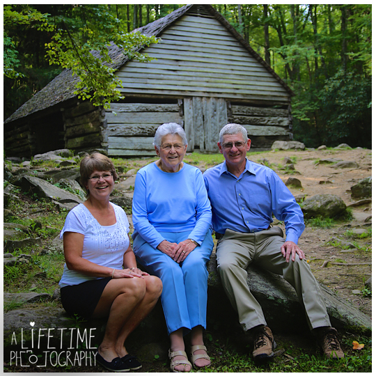 Family-Photographer-in-the-Great-Smokies-National-Park-Gatlinburg-Knoxville-TN-Pigeon-Forge-Townsend-Seymour-Wears-Valley-3