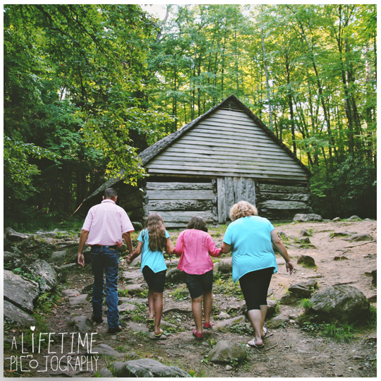 Family-Photographer-in-the-Great-Smokies-National-Park-Gatlinburg-Knoxville-TN-Pigeon-Forge-Townsend-Seymour-Wears-Valley-4