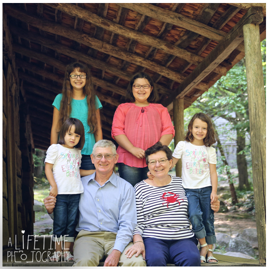 Family-Photographer-in-the-Great-Smokies-National-Park-Gatlinburg-Knoxville-TN-Pigeon-Forge-Townsend-Seymour-Wears-Valley-7