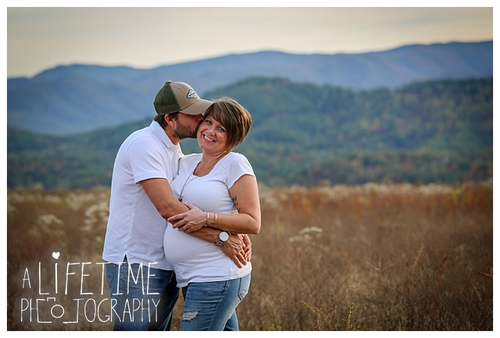 family-photographer-maternity-knoxville-sevierville-pigeon-forge-dandridge-gatlinburg-seymour-smoky-mountains-old-mill-patriot-park_0124