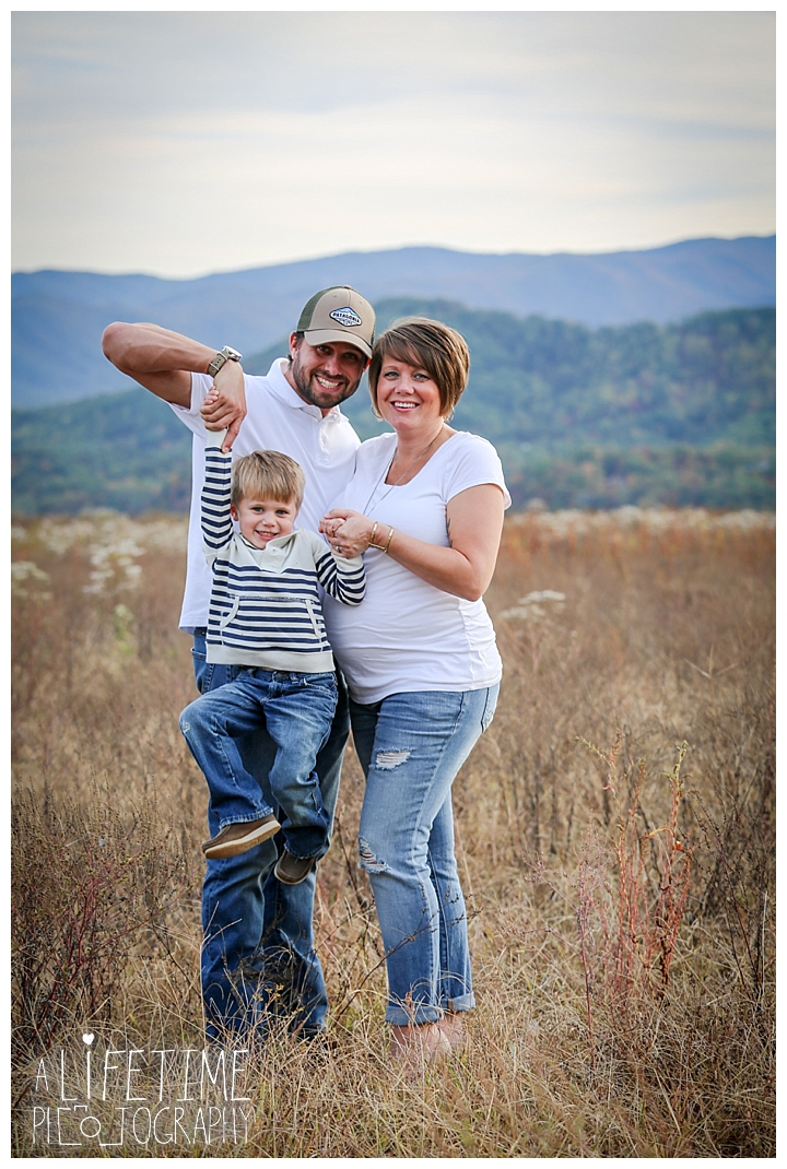 family-photographer-maternity-knoxville-sevierville-pigeon-forge-dandridge-gatlinburg-seymour-smoky-mountains-old-mill-patriot-park_0125