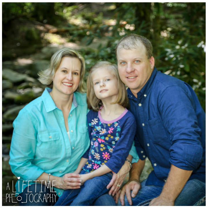 family-photos-motor-nature-trail-gatlinburg-smoky-mountains-pigeon-forge-knoxville-sevierville-townsend-dandridge-seymour-11