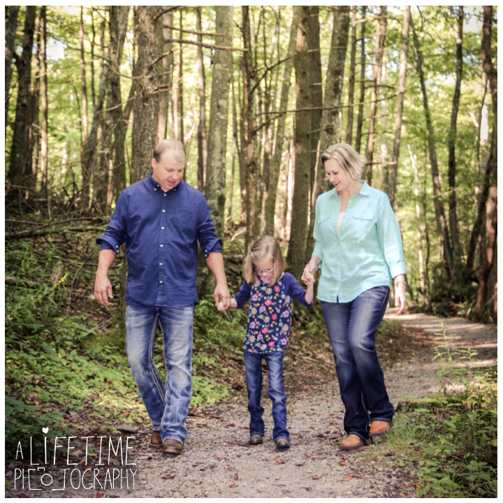 family-photos-motor-nature-trail-gatlinburg-smoky-mountains-pigeon-forge-knoxville-sevierville-townsend-dandridge-seymour-5