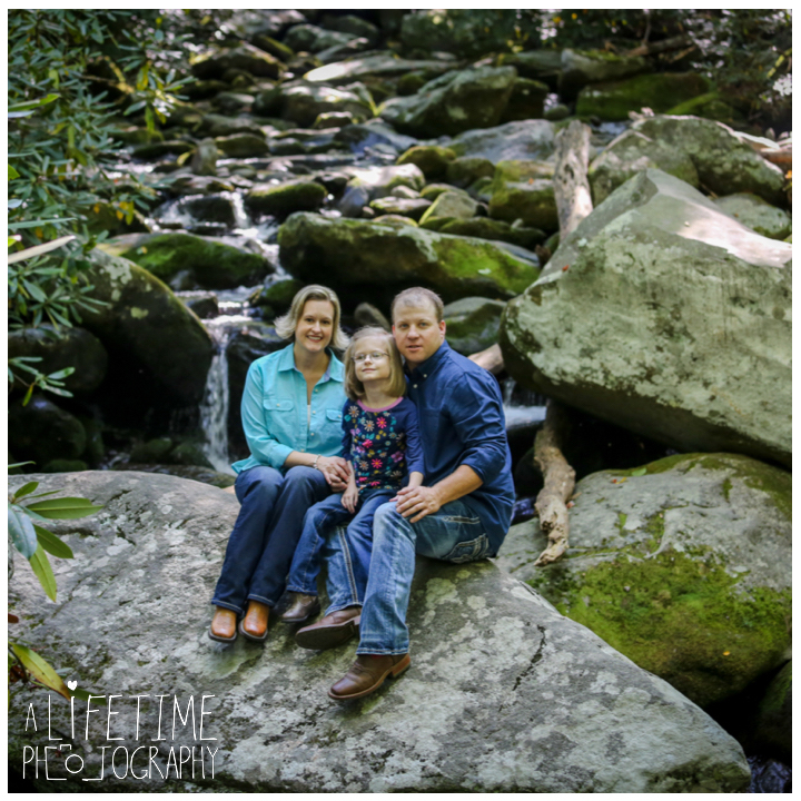 family-photos-motor-nature-trail-gatlinburg-smoky-mountains-pigeon-forge-knoxville-sevierville-townsend-dandridge-seymour-6
