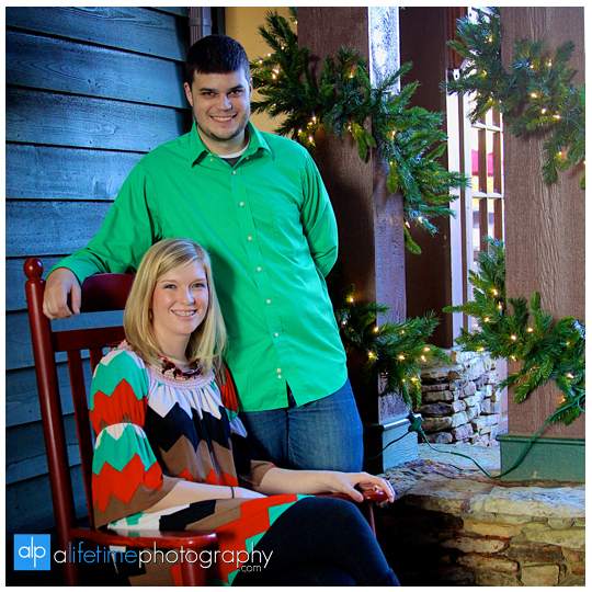 Family-Photos-Pictures-Photographer-Pigeon-Forge-Gatlinburg-Couple-Christmas-Place-Inn-kids-Sevierville-8