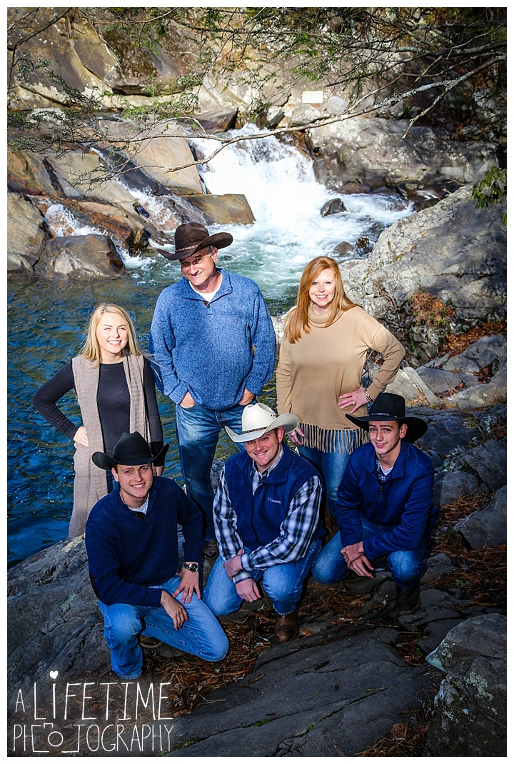 Family The Sinks Photographer Gatlinburg-Pigeon-Forge-Knoxville-Sevierville-Dandridge-Seymour-Smoky-Mountains-Townsend-Photos-Greenbriar Session-Professional-Maryville_0278
