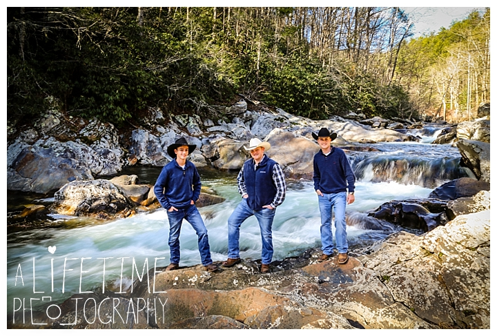 Family The Sinks Photographer Gatlinburg-Pigeon-Forge-Knoxville-Sevierville-Dandridge-Seymour-Smoky-Mountains-Townsend-Photos-Greenbriar Session-Professional-Maryville_0279