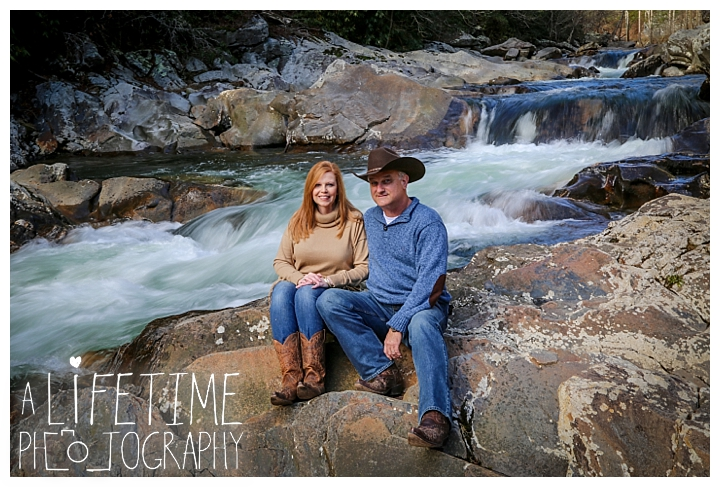 Family The Sinks Photographer Gatlinburg-Pigeon-Forge-Knoxville-Sevierville-Dandridge-Seymour-Smoky-Mountains-Townsend-Photos-Greenbriar Session-Professional-Maryville_0281