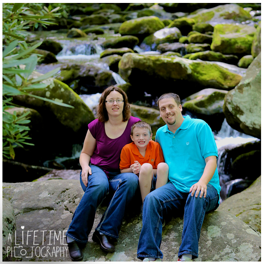 Family-Vacation-Photos-in-Gatlinburg-Pigeon-Forge-Smoky-Mountains-National-Park-Sevierville-TN-Knoxville-Photographer-Family-Photos-Session-photo-shoot-kids-photography-4