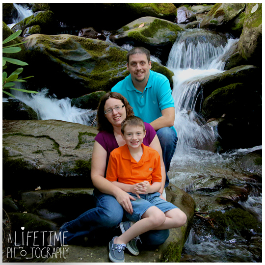 Family-Vacation-Photos-in-Gatlinburg-Pigeon-Forge-Smoky-Mountains-National-Park-Sevierville-TN-Knoxville-Photographer-Family-Photos-Session-photo-shoot-kids-photography-6a