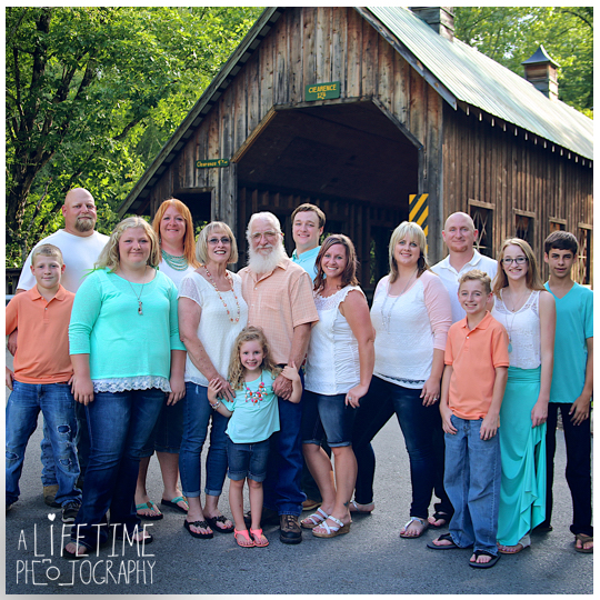 Family-portraits-photographer-reunion-Pigeon-Forge-Gatlinburg-Sevierville-Knoxville-Smoky-Mountains-6