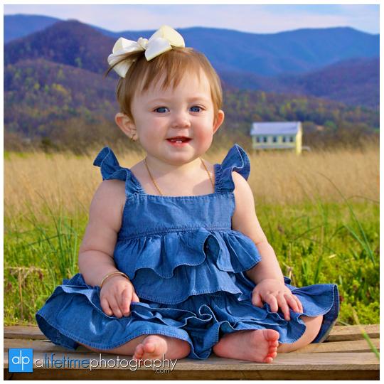 Family_Kids_Children_Photographer_Limestone_Telford_Jonesborough_Tri_Cities_TN_Country_Open_Field