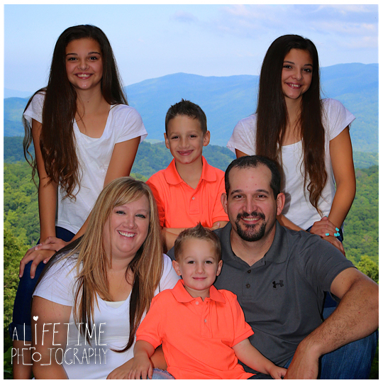 GSMNP-Smoky-Mountains-Family-Photographer-Roaring-Fork-Motor-Nature-Trail-Gatlinburg-Pigeon-Forge-Sevierville-Knoxville-TN-3