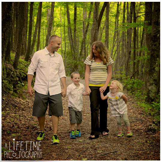 Gatlinburg-Family-Photographer-Pigeon-Forge-Sevierville-Cosby-Townsend-Seymour-Knoxville-TN-Motor-Nature-Trail-Smoky-Mountains-10