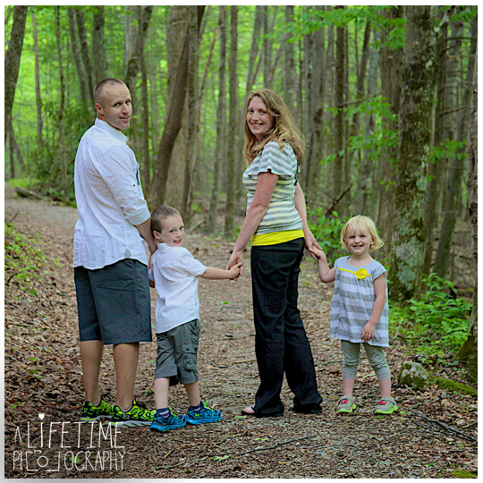 Gatlinburg-Family-Photographer-Pigeon-Forge-Sevierville-Cosby-Townsend-Seymour-Knoxville-TN-Motor-Nature-Trail-Smoky-Mountains-11