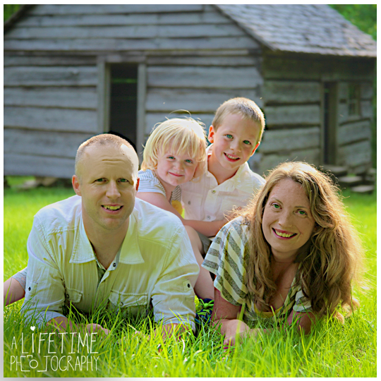 Gatlinburg-Family-Photographer-Pigeon-Forge-Sevierville-Cosby-Townsend-Seymour-Knoxville-TN-Motor-Nature-Trail-Smoky-Mountains-13
