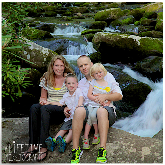 Gatlinburg-Family-Photographer-Pigeon-Forge-Sevierville-Cosby-Townsend-Seymour-Knoxville-TN-Motor-Nature-Trail-Smoky-Mountains-17