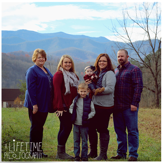 Gatlinburg-Family-Photographer-Pigeon-Forge-Smoky-Mountains-Pictures-Photo-shoot-Session-1