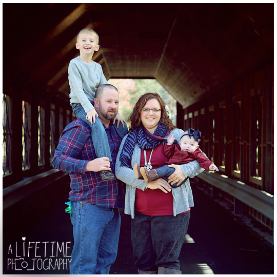 Gatlinburg-Family-Photographer-Pigeon-Forge-Smoky-Mountains-Pictures-Photo-shoot-Session-9