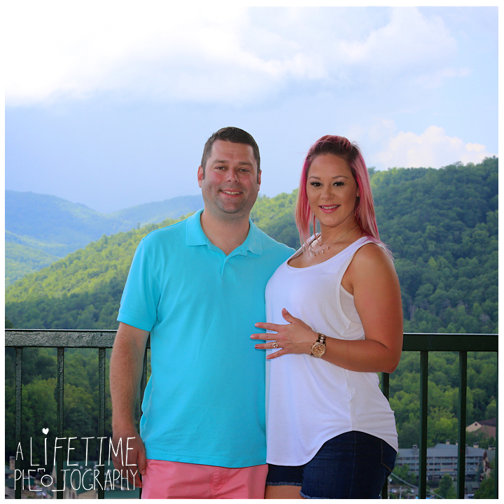 Gatlinburg-Marriage-proposal-secret-photographer-Space-Needle-Mynatt-Park-Pigeon-Forge-Knoxville-Smoky-Mountains-Sevierville-Dandridge-8